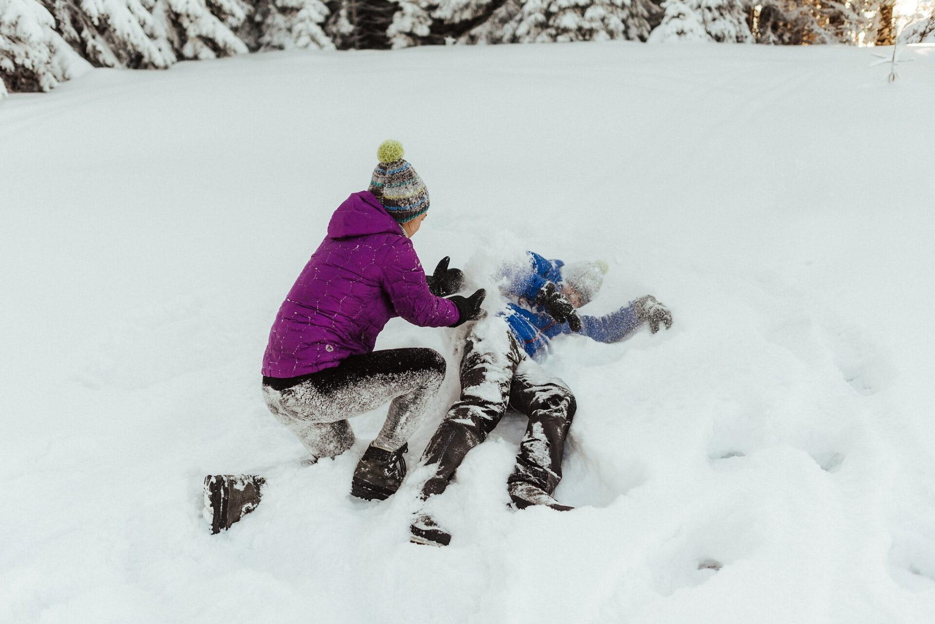 Zimowa sesja narzeczeńska w górach 32