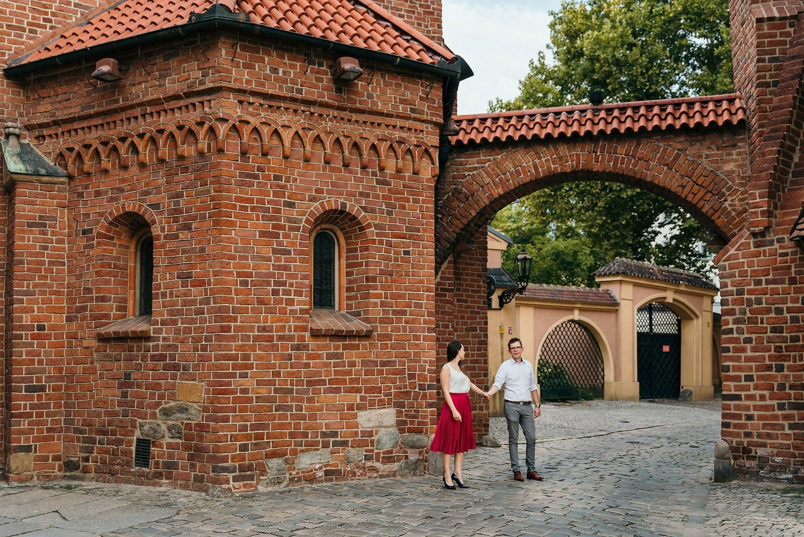 Joanna i Bartosz - sesja narzeczeńska Wrocław 30