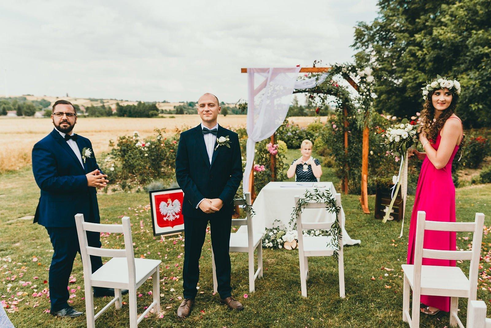 Justyna i Szymon - plenerowy ślub w stylu boho 36