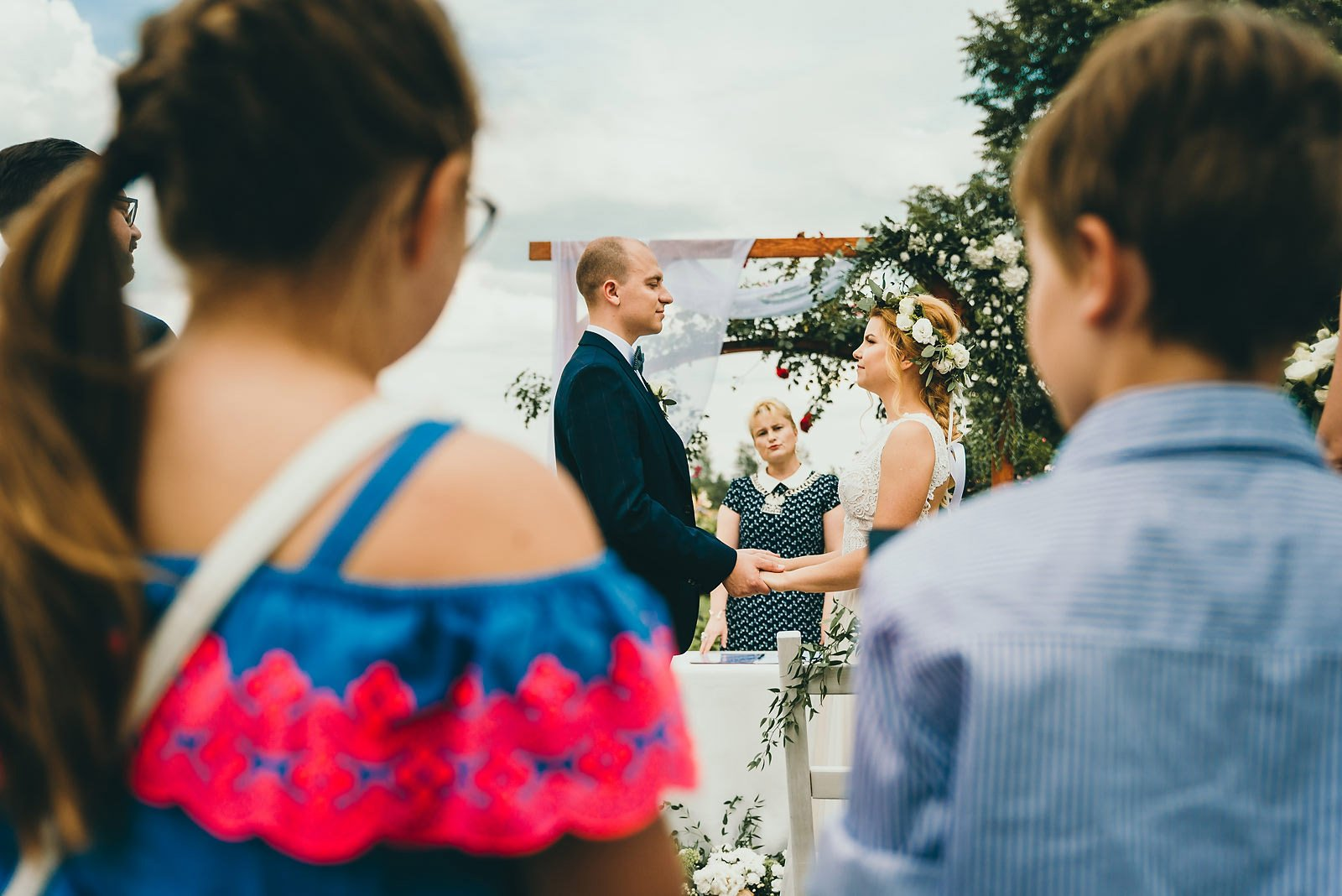 Justyna i Szymon - plenerowy ślub w stylu boho 43