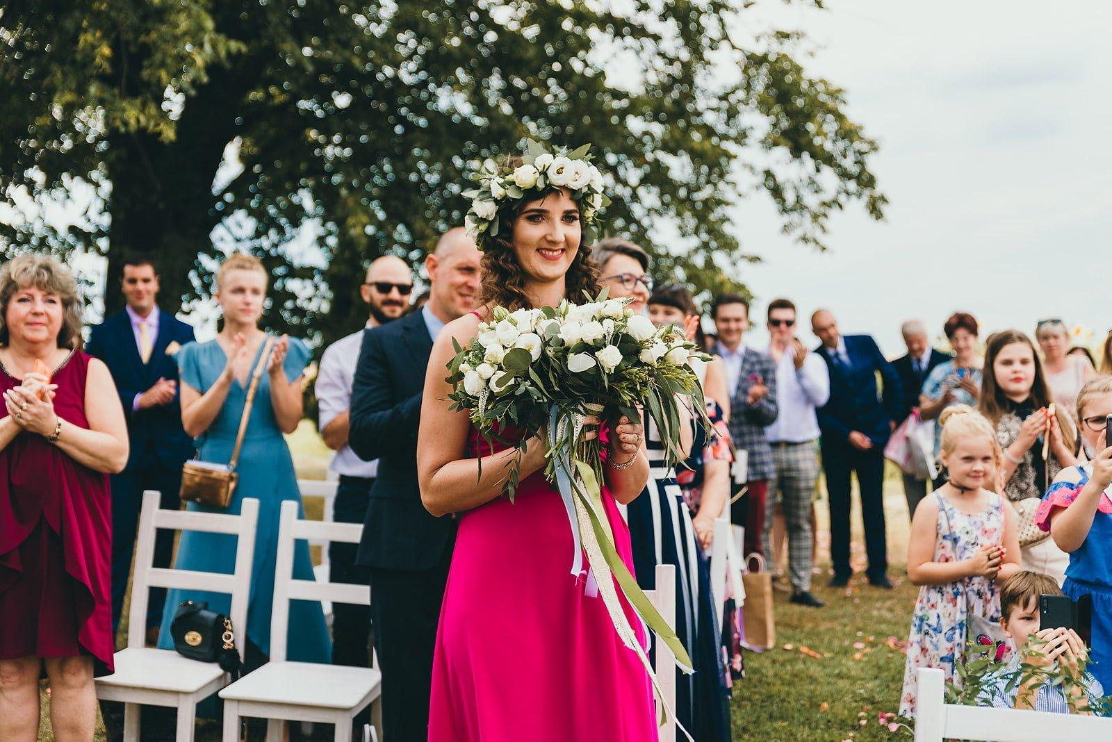 Justyna i Szymon - plenerowy ślub w stylu boho 44