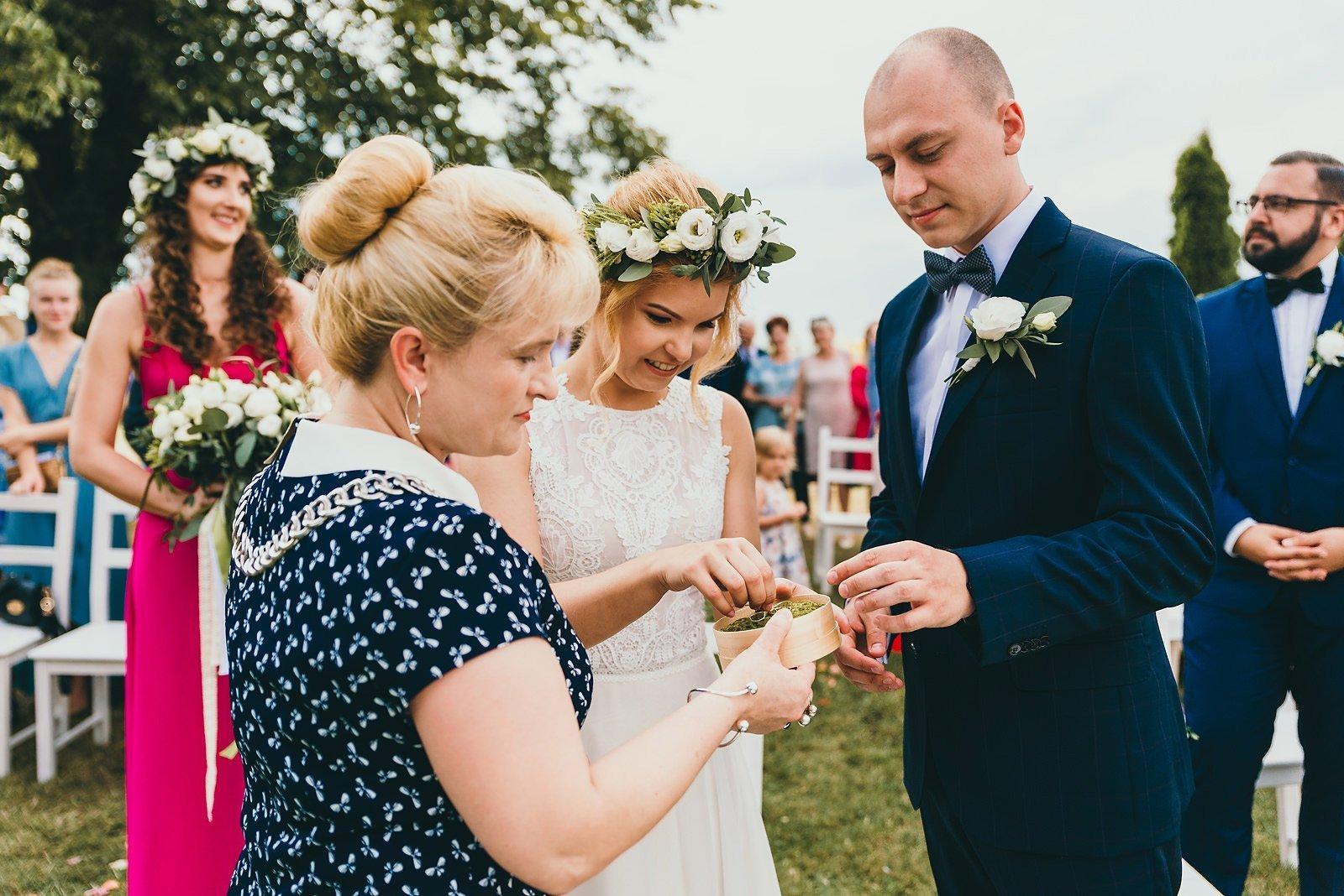 Justyna i Szymon - plenerowy ślub w stylu boho 47