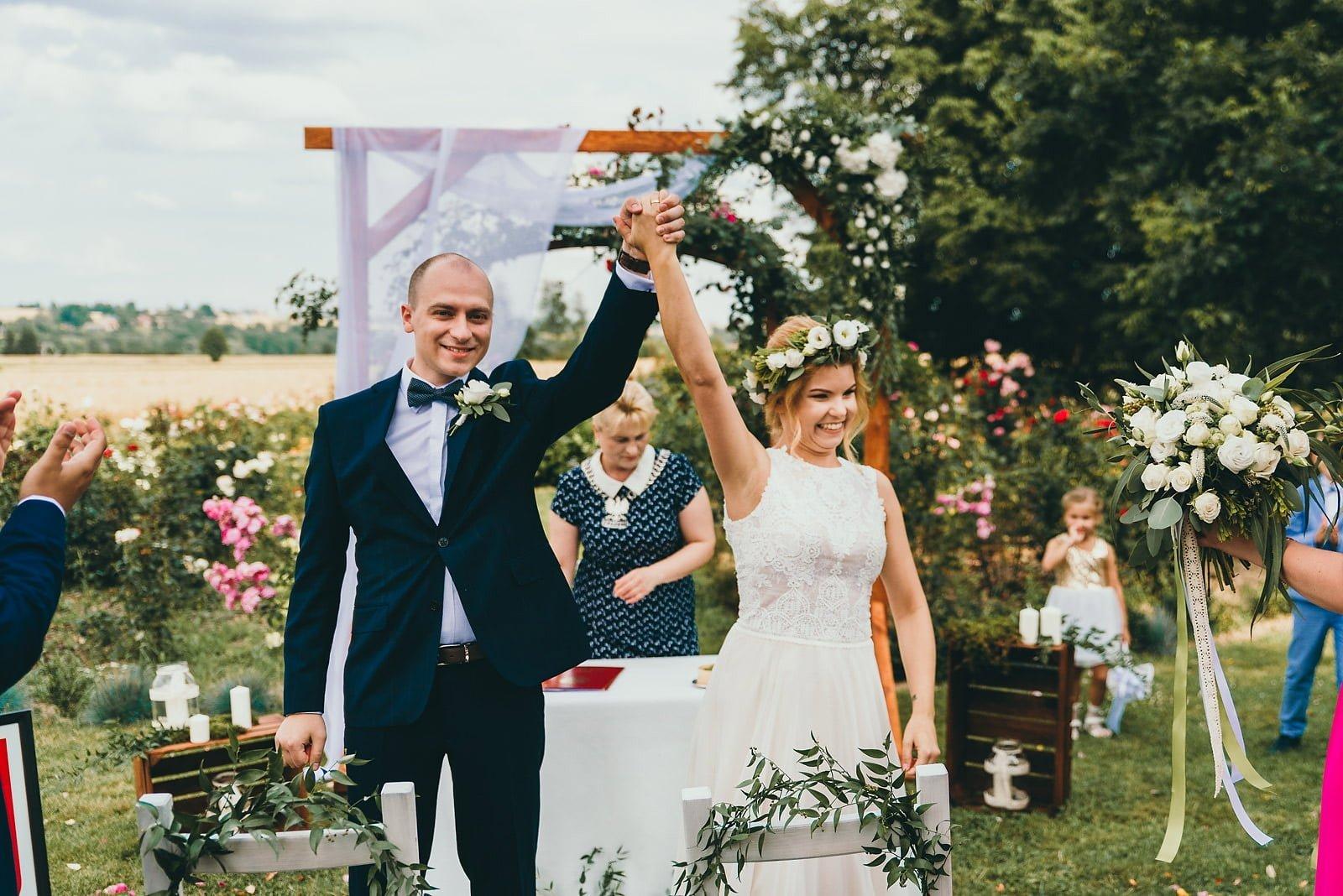 Justyna i Szymon – plenerowy ślub w stylu boho