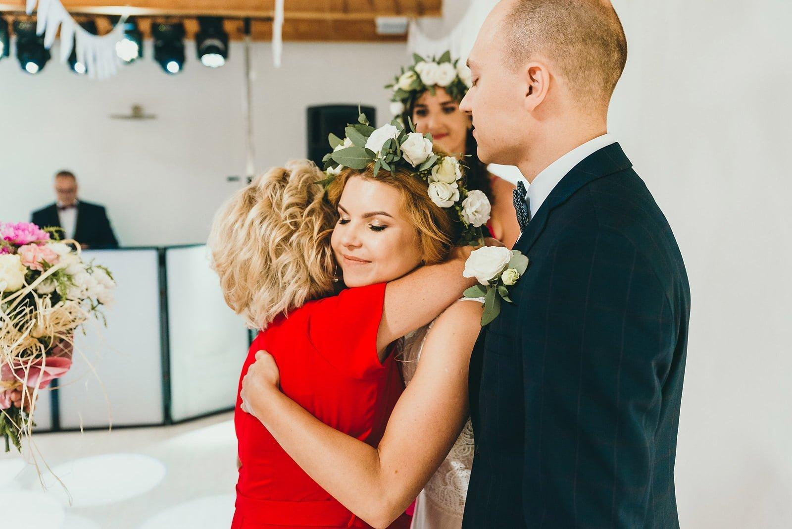 Justyna i Szymon - plenerowy ślub w stylu boho 53