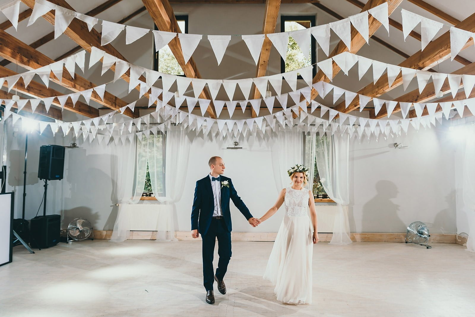 Justyna i Szymon - plenerowy ślub w stylu boho 61