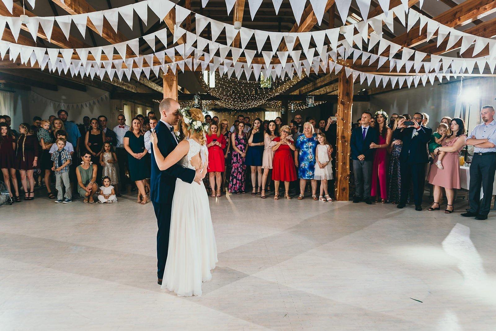 Justyna i Szymon - plenerowy ślub w stylu boho 62