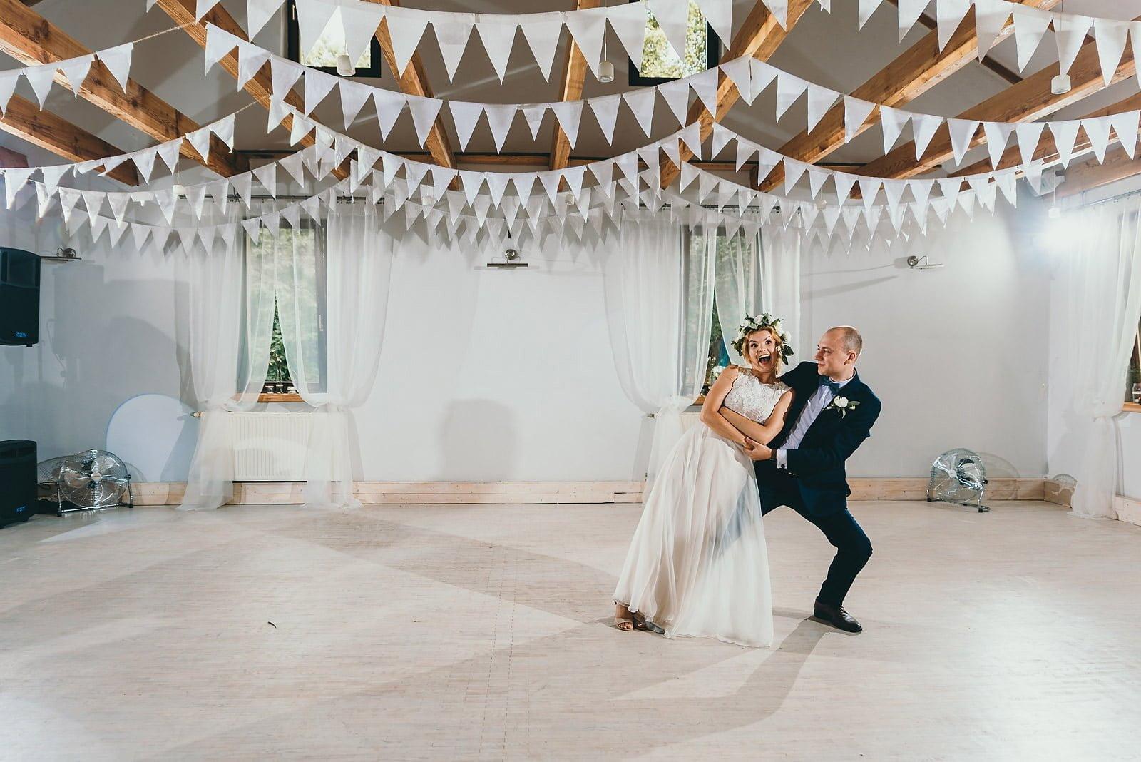 Justyna i Szymon - plenerowy ślub w stylu boho 66