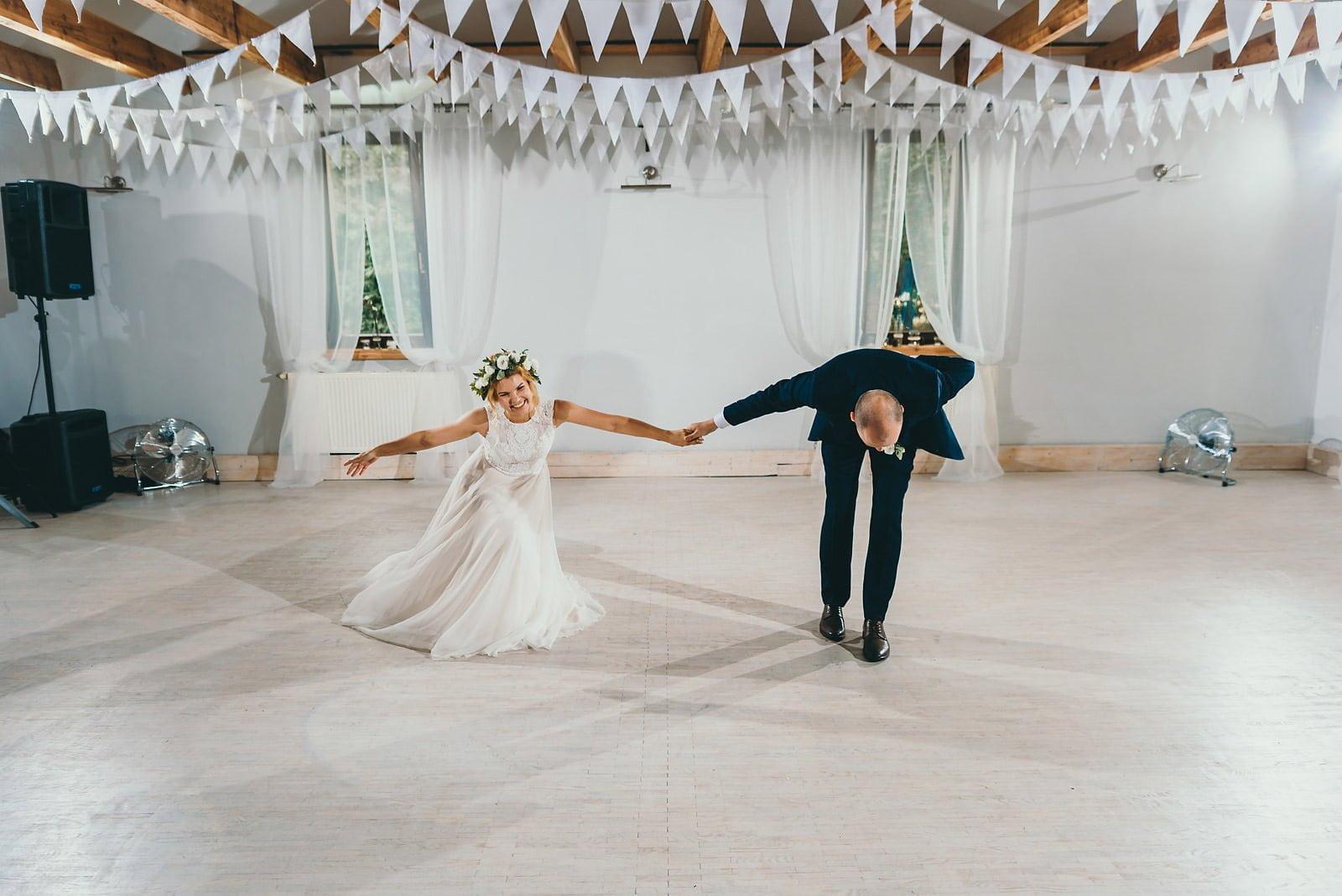 Justyna i Szymon - plenerowy ślub w stylu boho 67