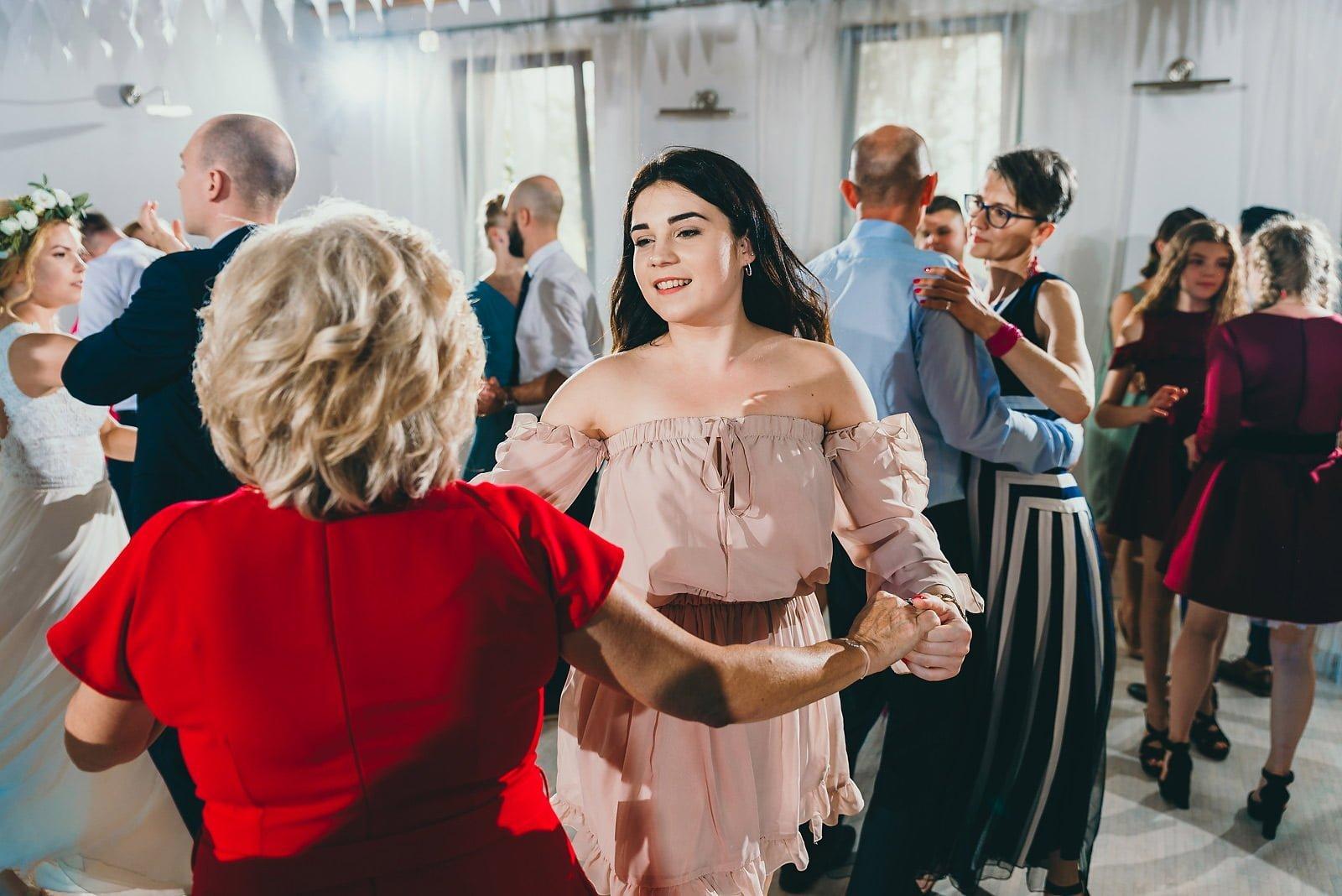 Justyna i Szymon - plenerowy ślub w stylu boho 68