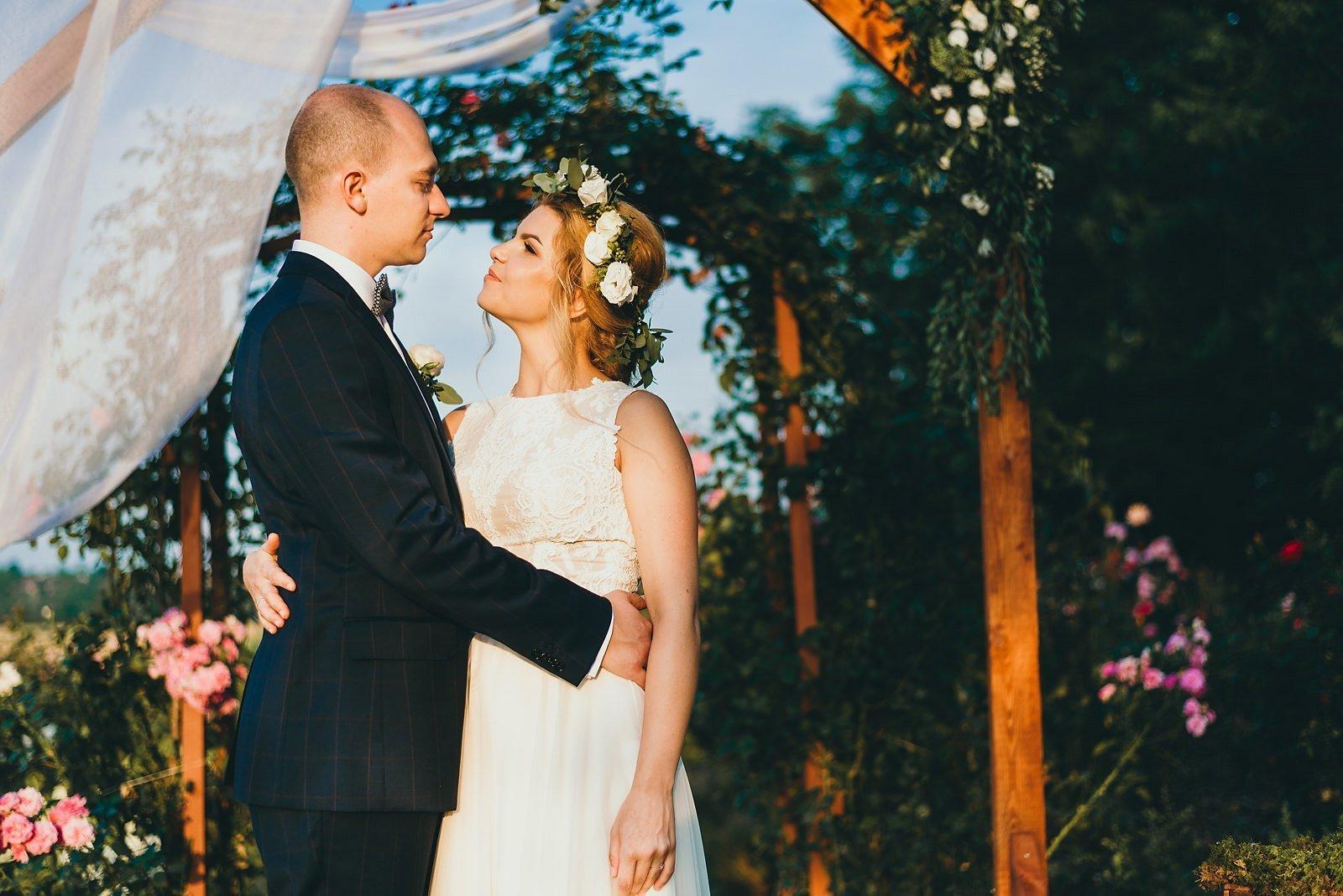 Justyna i Szymon - plenerowy ślub w stylu boho 80