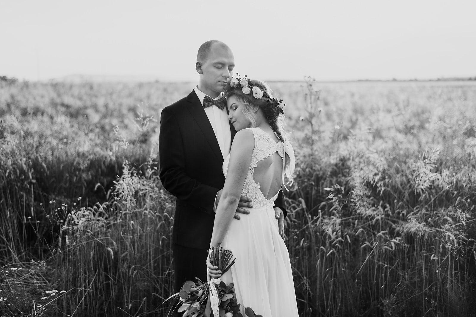 Justyna i Szymon - plenerowy ślub w stylu boho 92