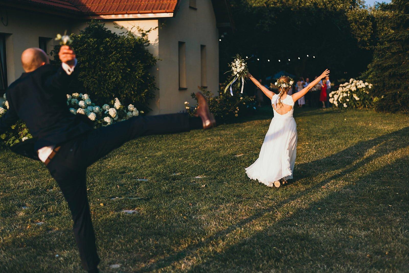 Justyna i Szymon - plenerowy ślub w stylu boho 94