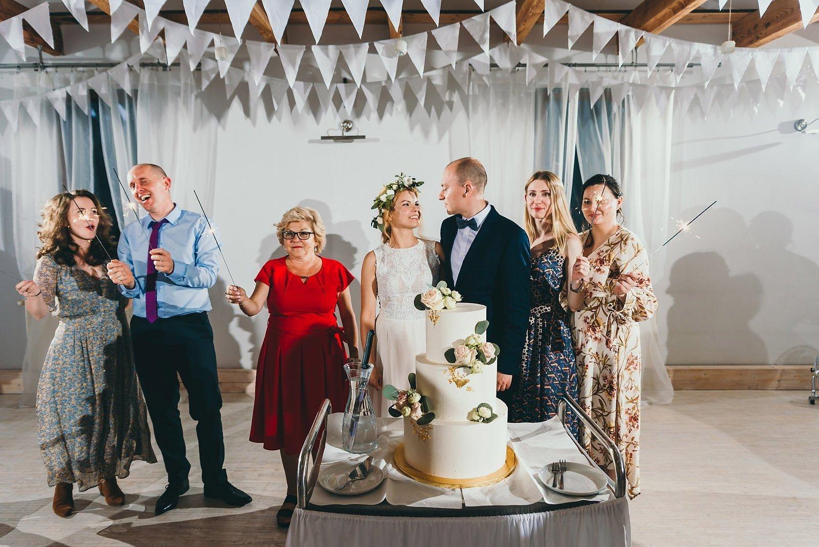 Justyna i Szymon - plenerowy ślub w stylu boho 112