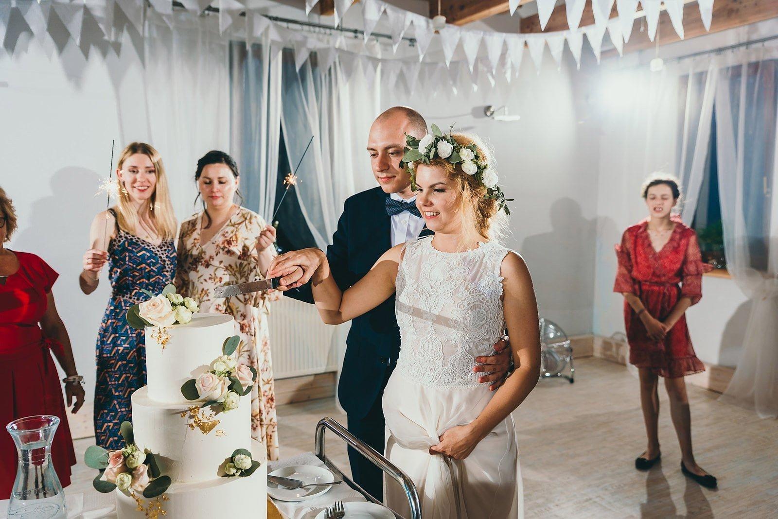 Justyna i Szymon - plenerowy ślub w stylu boho 113