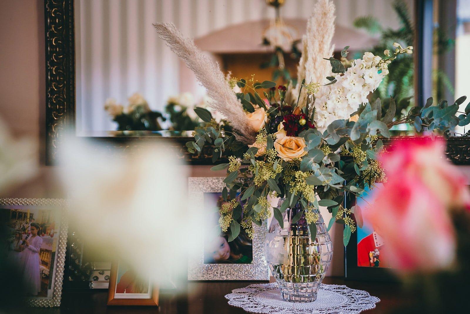 Karolina i Mateusz - plenerowy ślub - Biały Borek 4