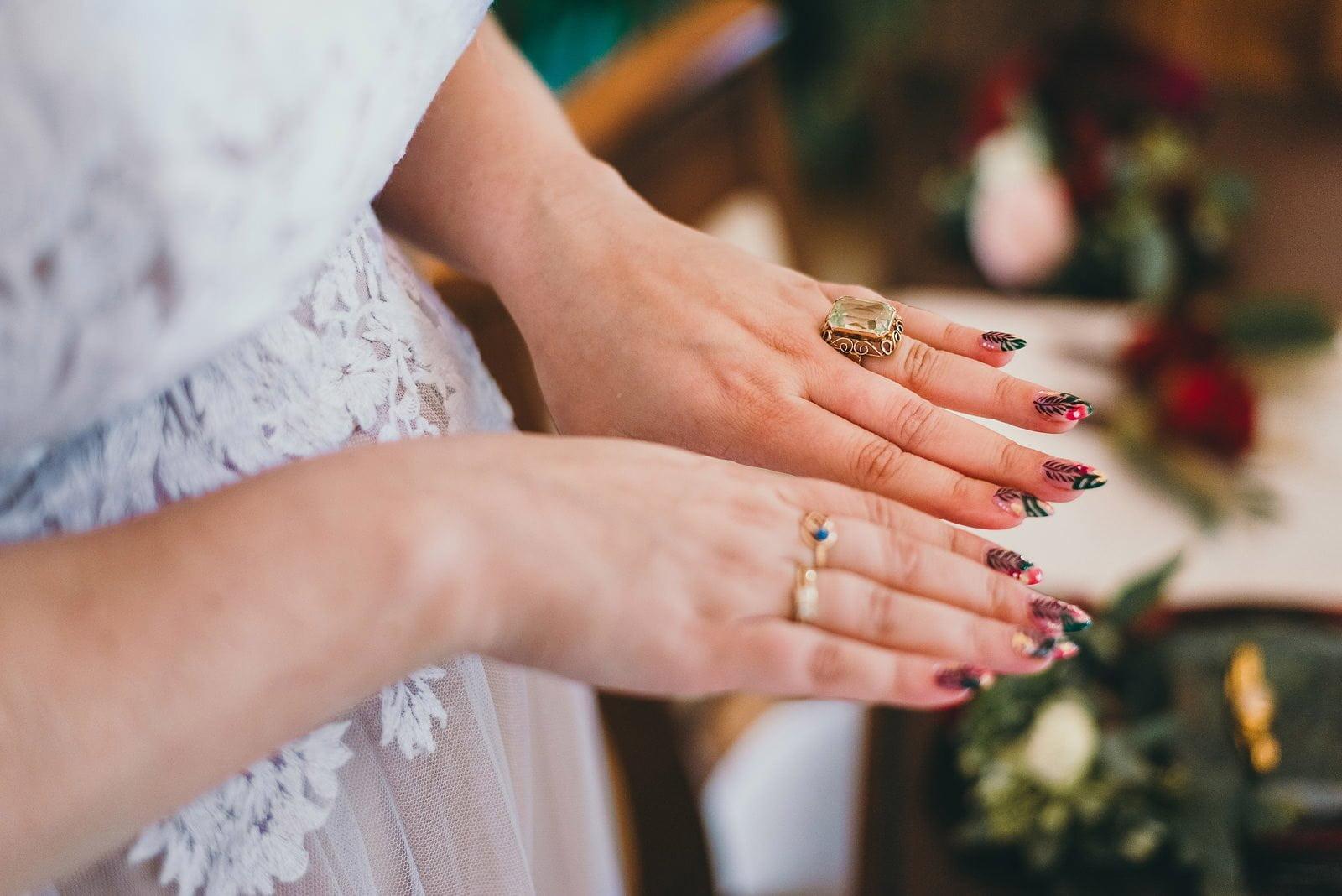 Karolina i Mateusz - plenerowy ślub - Biały Borek 14
