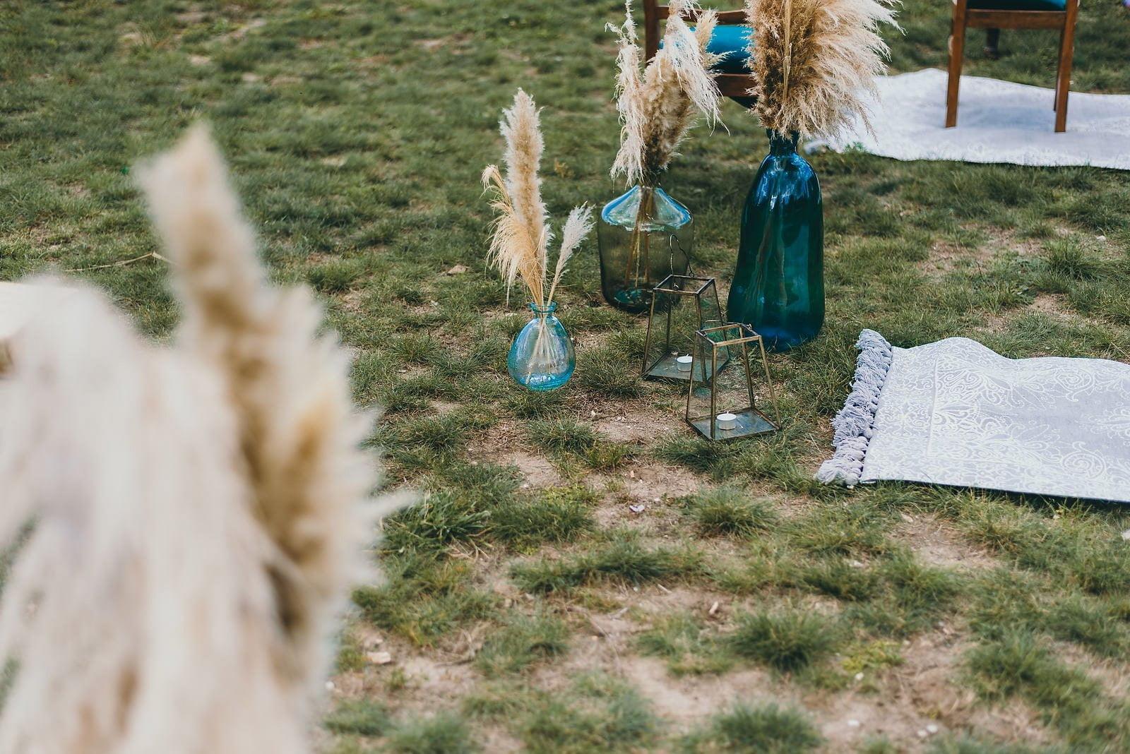 Karolina i Mateusz - plenerowy ślub - Biały Borek 27