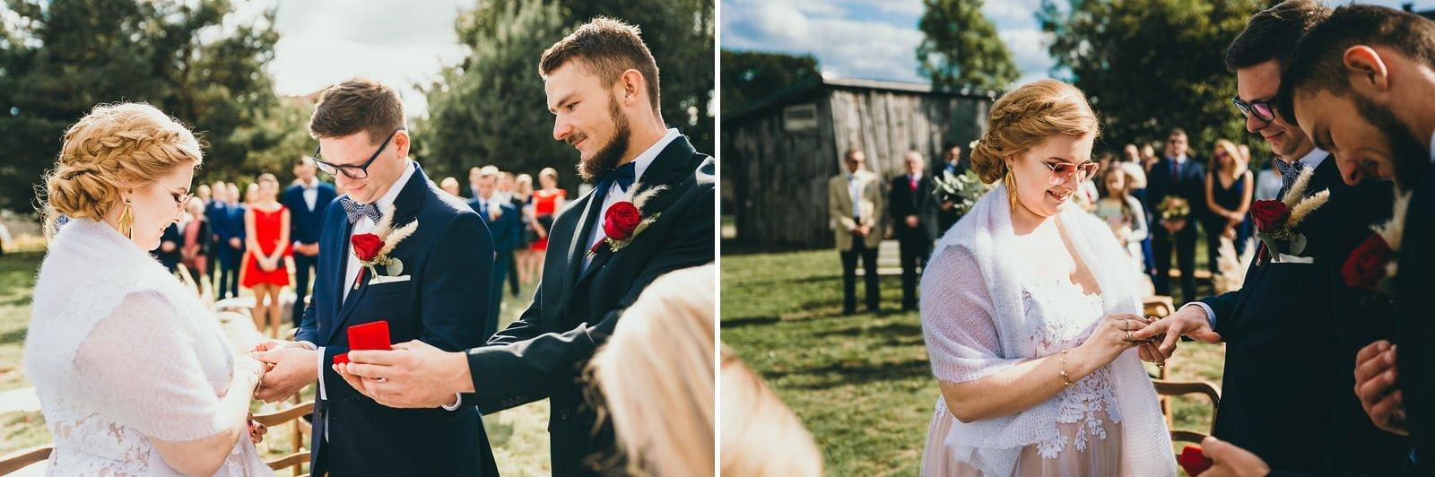 Karolina i Mateusz - plenerowy ślub - Biały Borek 52