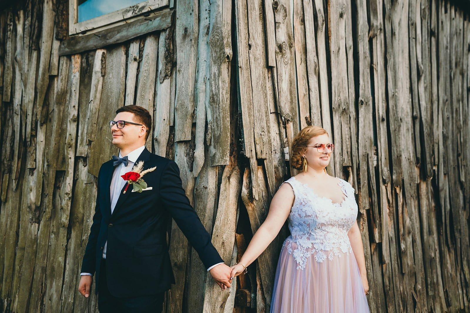 Karolina i Mateusz - plenerowy ślub - Biały Borek 78